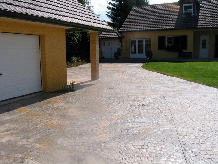 Le b ton empreinte d sactiv pour les cours et terrasses - Dosage beton desactive ...