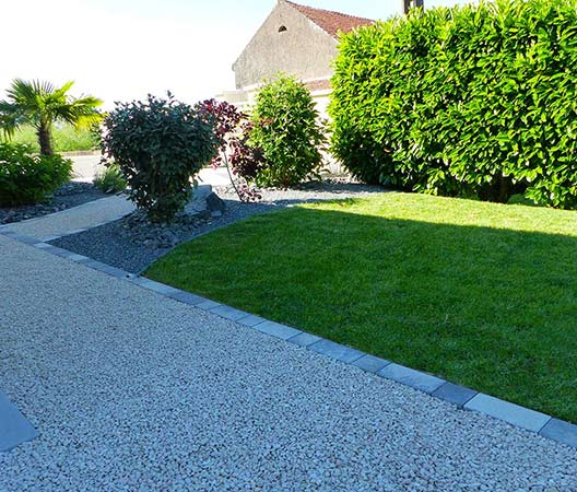 ménagement des extérieurs d'un jardin modern 6