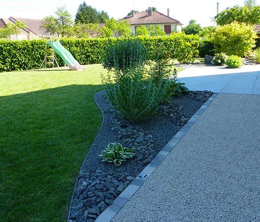 ménagement des extérieurs d'un jardin modern 7