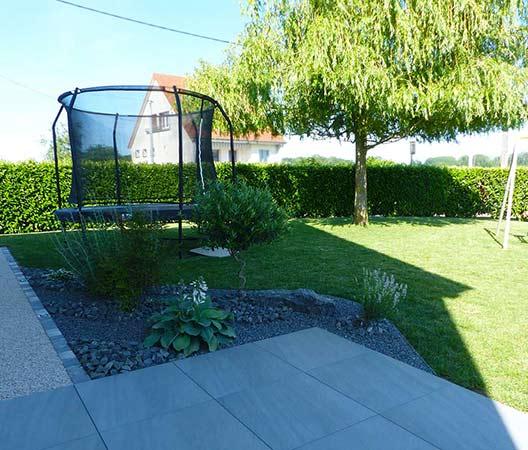 ménagement des extérieurs d'un jardin modern 10