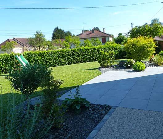 ménagement des extérieurs d'un jardin modern 11