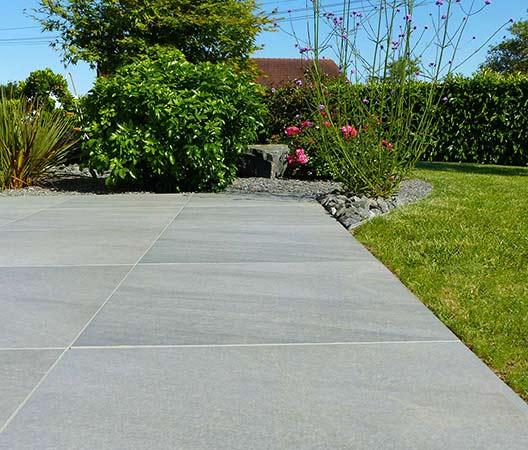 ménagement des extérieurs d'un jardin modern 15