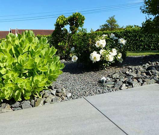 ménagement des extérieurs d'un jardin modern 16