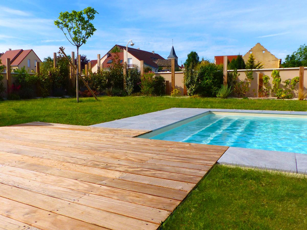 Cr ation des plages de piscine et piscines pour votre jardin dijon - Dalle pour plage piscine ...