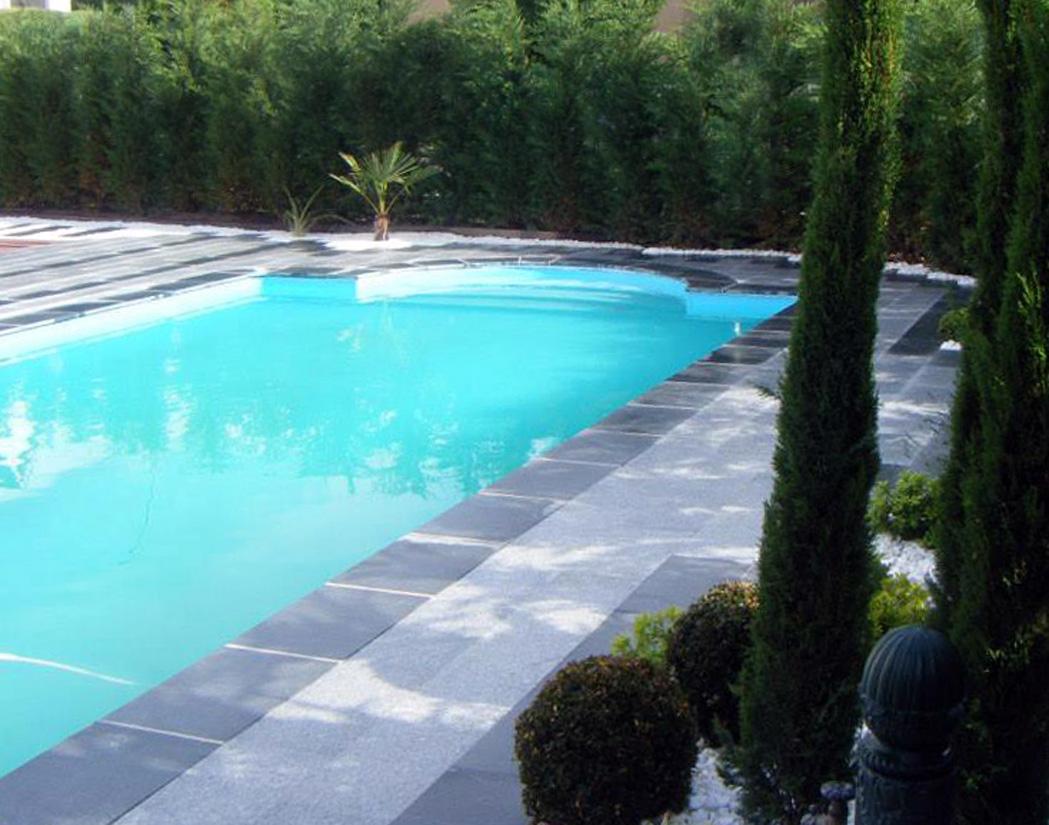 cr ation des plages de piscine et piscines pour votre jardin dijon. Black Bedroom Furniture Sets. Home Design Ideas