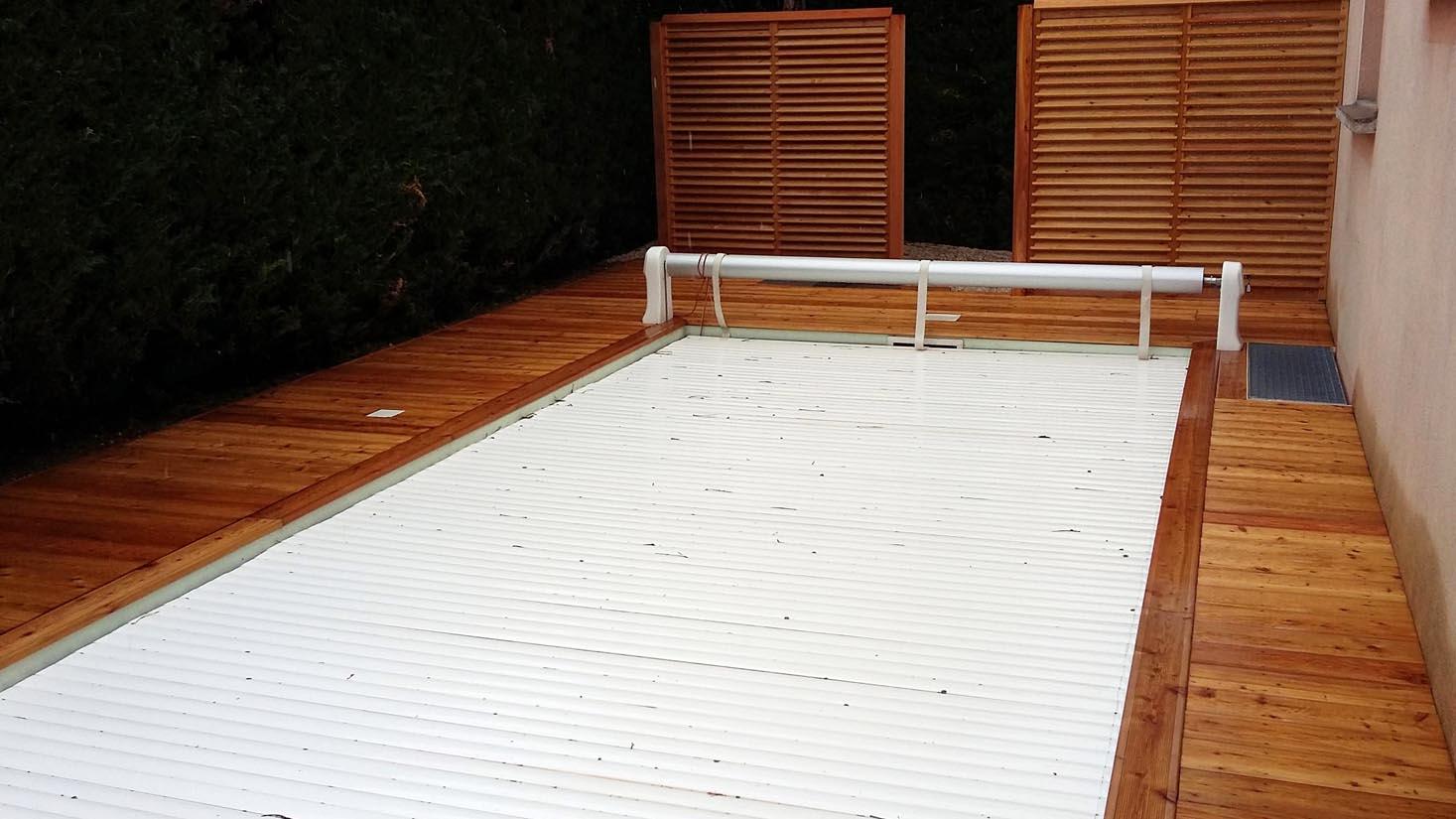 cr ation des plages de piscine et piscines pour votre. Black Bedroom Furniture Sets. Home Design Ideas