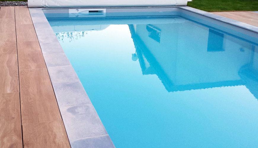 resine pour piscine beton lutanchit duune piscine en bton with resine pour piscine beton. Black Bedroom Furniture Sets. Home Design Ideas