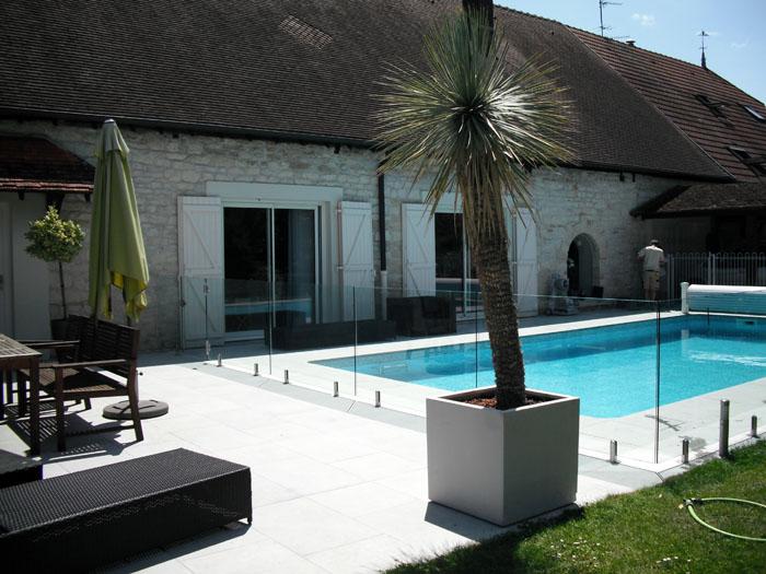 cr u00e9ation des plages de piscine et piscines pour votre jardin  u00e0 dijon