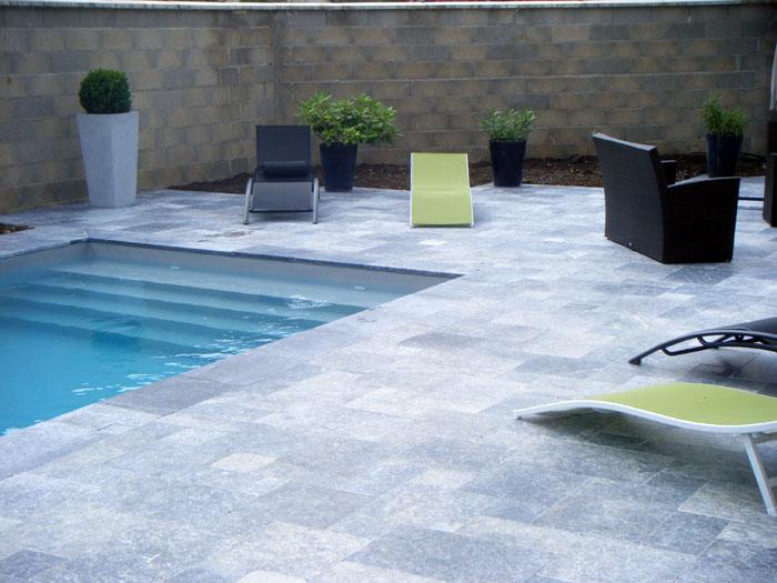 Cr ation des plages de piscine et piscines pour votre jardin dijon Atmosphere agreable piscine jardin